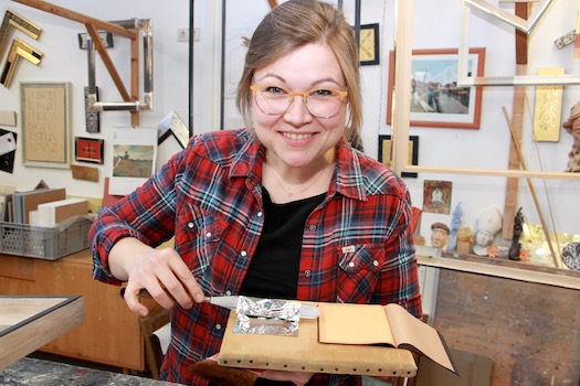 Annemieke Ahrens Vergoldermeisterin, Galerieleitung des Standorts St. Peter Ording