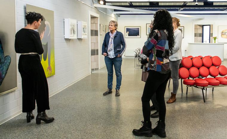 Künstlerinnen in der Ausstellung on the sea shore, Galerie Tobien, Husum: Elvira Bäfverfeldt Marklund, Greta Magyar, Karten Seggelke, Marid Taubert, Annemieke Ahrens